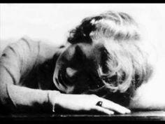 La caricia perdida, Alfonsina Storni  Voz: César Bandin Ron