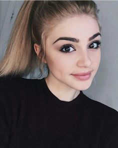 [ FC: Kristen Hancher] Hi I'm Amberlyn! I'm 18 years old and I am from caste 5. I sing and play piano for a living but it's also a passion of mine. My mother was a 3 before she married my father therefore she taught me how to speak fluent French, Italian and roughly some Dutch. I like nature. I absolutely love making people smile! I'm really mature in my opinion and outgoing. I hope to make new friends and I cannot wait to meet the prince! Come say hi