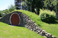 FINN – JORDKJELLER Home Garden Design, Home And Garden, Earth Sheltered Homes, Cellar Design, Root Cellar, Underground Homes, Exterior, Forest House, Cabin Design