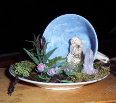 A waterfall and pond in a teacup http://0.tqn.com/d/create/1/0/Y/X/3/-/theekopje-002.jpg
