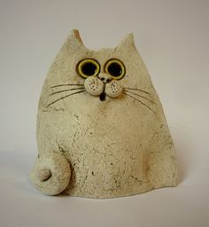 Pottery Animals, Ceramic Animals, Ceramic Pottery, Ceramic Art, Diy Crafts Slime, Clay Cats, Cement Art, Wood Carving Patterns, The Potter's Wheel