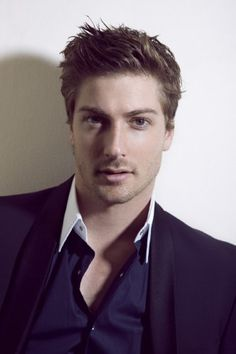 Daniel Lissing Last Resort- i have such a crush on him