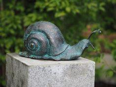 Fine Cast Bronze Sculpture Large Snail Verdigris for flower borders & Rockeries. Sculpture Museum, Resin Sculpture, Modern Sculpture, Bronze Sculpture, Garden Sculpture, Animal Sculptures, Wall Sculptures, Fountains For Sale, Grave Monuments