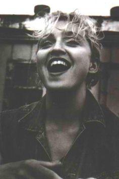 LOVE HER!!! Madonna is such a wonderful artist in my eyes :) <3