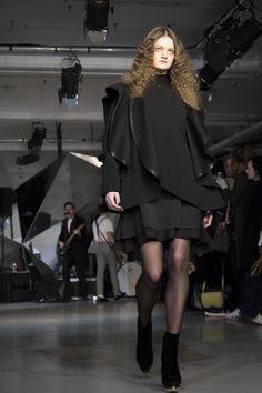 Morgan Taylor used at the Robert Wun Show Uk Nails, Morgan Taylor, Salon Services, Professional Nails, London Fashion, Salons, Manicure, Beauty, Nail Bar