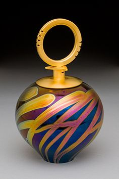 Hand-blown perfume vial - ©Elaine Hyde - www.elainehyde.com/pages/perfume%20bottles.dwt