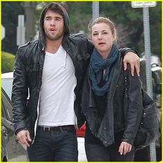 Josh bowman and emily van camp hookup