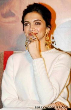 I'm at home kk Bollywood Actors, Bollywood Celebrities, Bollywood Fashion, Indian Film Actress, Indian Actresses, Actors & Actresses, Beautiful Bollywood Actress, Beautiful Actresses, Deepika Padukone Style