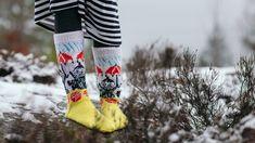 Novitan Pikku Myy -villasukat Vogue Knitting, Rubber Rain Boots, Knit Crochet, Diy And Crafts, Gloves, Socks, Slippers, Sewing, Crocheting