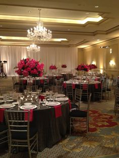 Reception at the Ritz Carlton   Photography: Stephen Seebeck   Wedding Planner: Cosmopolitan Events