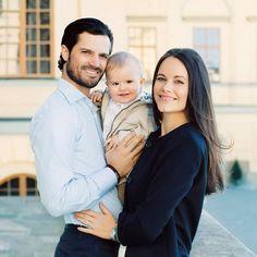 Most Beautiful Royal Family! Prince Carl Philip and Princess Sofia Share 4 Stunning NewPhotos