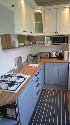 Az egyik kedvenc posztom volt, mikor Viki bemutatta felújított panelkonyháját. Úgy fejeztük be a posztot, hogy lássuk majd a lakás többi részét is...