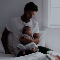 Cute Family, Family Goals, Dad Baby, Baby Kids, I Phone 7 Wallpaper, Banners, Baby Boy Hairstyles, Elle Kennedy, Relationship Goals Pictures