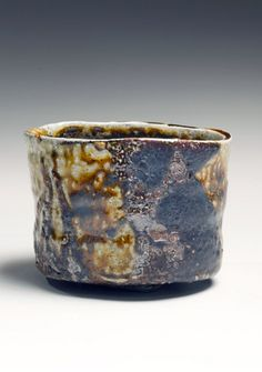 Ajiki Hiro: Golden-brown salt-glazed straight-sided teabowl with dark brown glaze patterning, Glazed stoneware