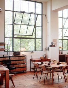 Love this studio loft. Can't wait to get to design my own little creative space.