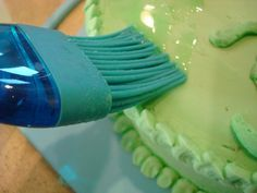 how to make glow in the dark piping gel