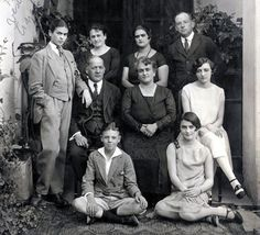 granite canyons: Icon - Frida Kahlo-lovely photo of Frida (left standing in suit) and family