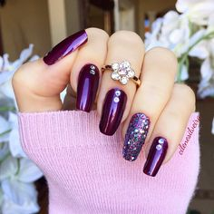 Here's my nails of the week! Love this color for fall ✨🌟✨ Unhas da semana! #nails #unhas. . 👉 I used Plum Attraction by Revlon