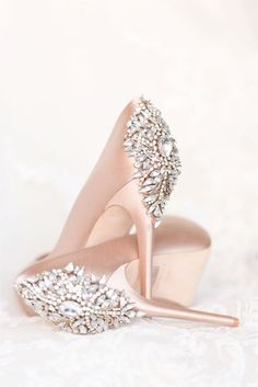blush wedding day shoes from Badgley Mishcka - rose satin pumps with jeweled rhinestone details Pretty Shoes, Beautiful Shoes, Cute Shoes, Me Too Shoes, Shoes Pic, Gorgeous Heels, Fancy Shoes, Formal Shoes, Shoes Style