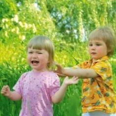 Muchos niños responden a la frustración a través de puñetazos, mordeduras, arañazos y otras formas de agresividad.