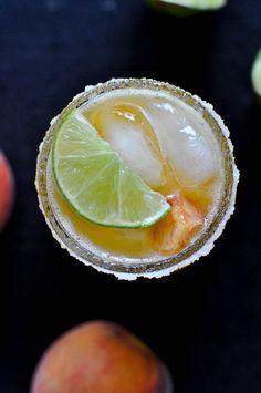 Juicy Peach Margaritas   howsweeteats.com