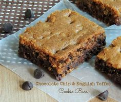 Chocolate Chip & English Toffee Cookie Bars | Cozy Country Living