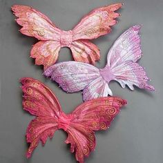 Textured Fairy Wings Tutorial - Antique Lilac very clever DIY machine stitched collage wings for little girls fairy party favors Wings Tutorial, Diy Fairy Wings, Wings Diy, Craft Projects, Sewing Projects, Bjd Doll, Fairy Crafts, Arts And Crafts, Paper Crafts
