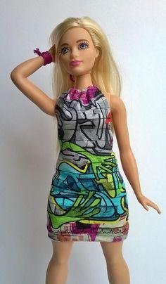 846f79f88c Curvy Barbie backless Grafittidruck dress by Schaurein on Etsy Barbie Hair