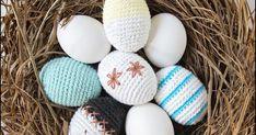 Jeg har i vinterferien lavet en masse udkast til en opskrift på et hæklet æg. Jeg hæklede først 2 forskellige fra to opskrifter, som ... Eggs, Crochet, Diy, Bricolage, Egg, Ganchillo, Do It Yourself, Crocheting, Knits