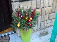 Vianočný kvetináč do exterieru