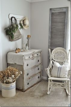 Nice Shabby Chic Home Decor Shabby Chic Bedrooms, Shabby Chic Homes, Wicker Furniture, Painted Furniture, Country Decor, Farmhouse Decor, Muebles Shabby Chic, Casas Shabby Chic, Rustic Kitchen Design