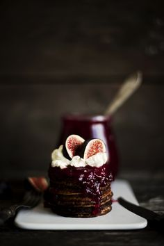 Pancakes with figs.