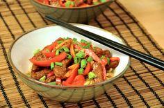 Chrupiaca wolowina z chilli Crispy Chilli Beef, Strawberry, Fruit, Recipes, Food, Recipies, Essen, Strawberry Fruit, Meals