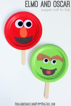 Sesame Street Elmo and Oscar Craft for kids. Paper Plate Puppet Craft idea. #ad