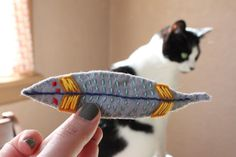 DIY Catnip filled feather toy, because I love my kitty :)