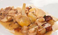 Receta de Pollo al ajillo con champiñones Pollo Guisado, Mexican Food Recipes, Ethnic Recipes, Spanish Food, Yum Yum Chicken, Bon Appetit, Potato Salad, Poultry, Chicken Recipes