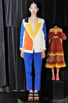 Tata Naka Spring Bright Color Blocking, Surrealism, Clowns, and Soviet Aesthetics via The Terrier and Lobster Spring 2014, Summer 2014, Spring Summer, Cubism Fashion, Fashion Colours, Street Style Looks, Contemporary Fashion, Runway Fashion, Ready To Wear