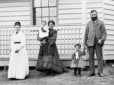 Family and House, Hill End c. 1870-75  State Library of New South Wales
