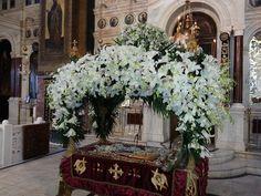 ΔΕΙΤΕ επιταφίους από ενορίες του Πειραιά και νησιών του Αργοσαρωνικού! Russian Orthodox, Good Friday, Table Decorations, Google Search, Flowers, Art, Flower Arrangement, Royal Icing Flowers, Flower