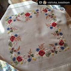 "3,268 Likes, 45 Comments - Babi Bernardes (@bordados_e_bordadeiras) on Instagram: ""@vishivka_krestikom #tablecloth #crewel #needlework #handembroidery #embroidery #ricamo #broderie…"""