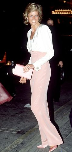 1989 photo. Plans to Honor Princess Diana at Kensington Palace in the Spring of 2018
