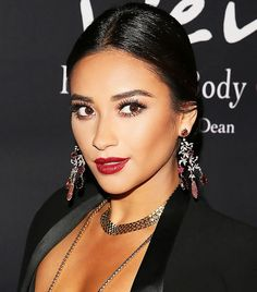 The 14 Best Shay Mitchell Beauty Moments Ever via @ByrdieBeautyAU