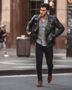 Checkout & follow @alessandro_bandiera for more amazing streetstyle!