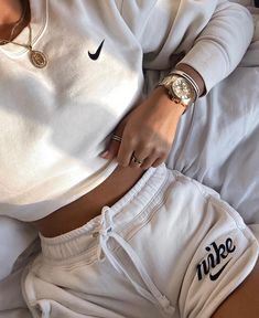Outfit of the day Yes or No? Give your opinion Credit to: Cute Lazy Outfits, Chill Outfits, Sporty Outfits, Teen Fashion Outfits, Retro Outfits, Look Fashion, Running Outfits, Nike Fashion Outfit, Cute Nike Outfits