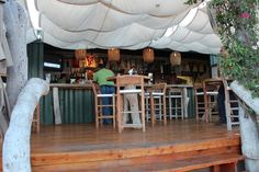 container restaurant - Buscar con Google San Jose Del Cabo, Container Restaurant, Restaurant Bar, Los Cabos Baja California, Bar Ideas, Storage Containers, Making Out, Trip Advisor, Table Decorations