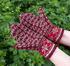hand knitted wool mittens patterned bordo by peonijahandmadeshop, $42.50