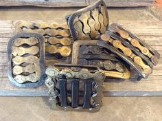 Like bikes? These belt buckles are made from found bike parts by #Jacksonhole artist Lawrence Bennett. #bikelove