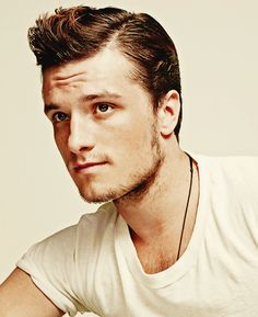 """In Josh Hutcherson landed the role of Peeta in """"The Hunger Games"""" film series. Josh Hutcherson, Rihanna, Beyonce, Pretty People, Beautiful People, Greaser Hair, Greaser Style, Jenifer Lawrence, Raining Men"""