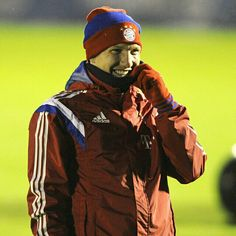 Keep on smiling…#FCBayern is back in training! #Anticipation
