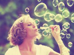 bigstock-a-pretty-girl-blowing-bubbles-62190965.jpg (3252×2424)